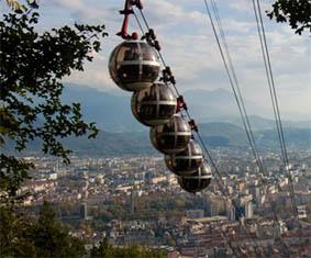 Photo : Téléphérique Grenoble-Bastille.