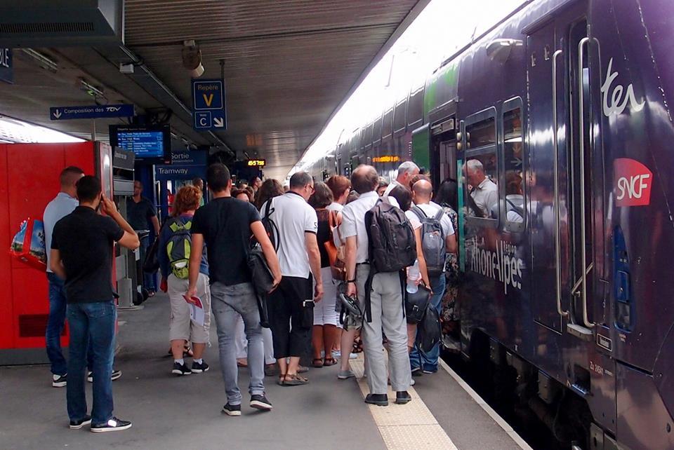 TER en gare de Grenoble